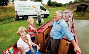 waitrose-delivery-houseboat-201_460